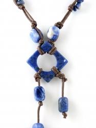 Kordelkette, Edelsteinkette, unterschiedliche Steinteile Sodalith, ca. 45 cm