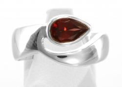 Granat Ring facettiert,Ringgröße 56